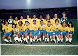Campeonato Sul-Americano de Futebol (Uberlândia, 1995). Foto: Acervo pessoal da jogadora Michel Jackson (camisa 9)