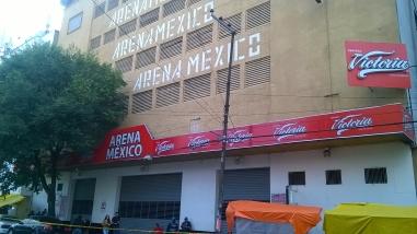 Mejor conocida como la Catedral de la lucha libre: la arena México