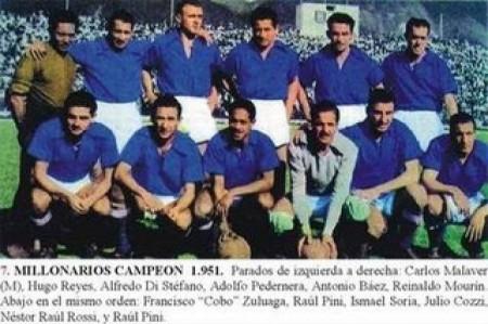 Equipe do Millonarios campeã colombiana em 1951, já com os atletas argentinos que migraram para o país após a greve de 1948. Fonte: http://comutricolor.com/la-epoca-del-dorado-en-colombia/