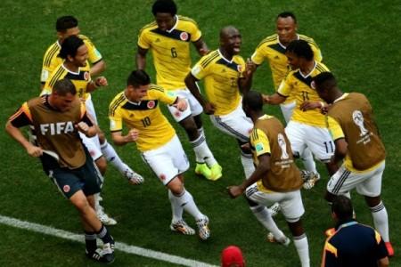 Colombianos comemorando um gol na Copa do Mundo de 2014. Foto: Reprodução.